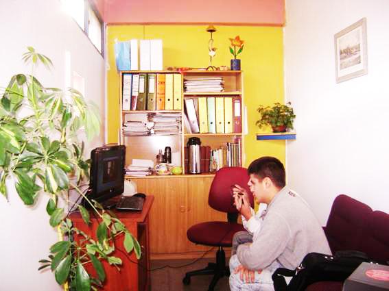Videoconferencia de adolescente privado de libertad con su abogado