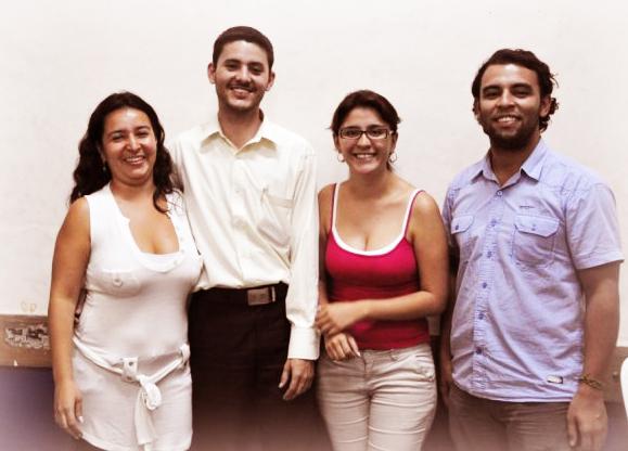 Adriana Patricia y su grupo de trabajo
