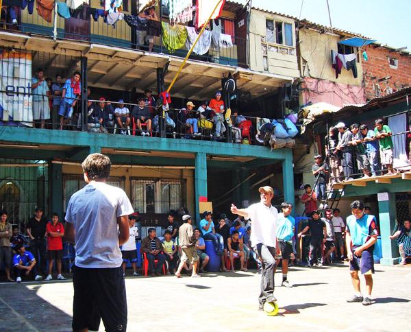 Prisión abarrotada en Cochabamba